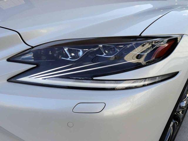 LS500h Iパッケージ ワンオーナー OP20インチAW レクサスセーフティ+A ブラインドスポットモニター カラーヘッドアップディスプレイ 黒本革シート(26枚目)