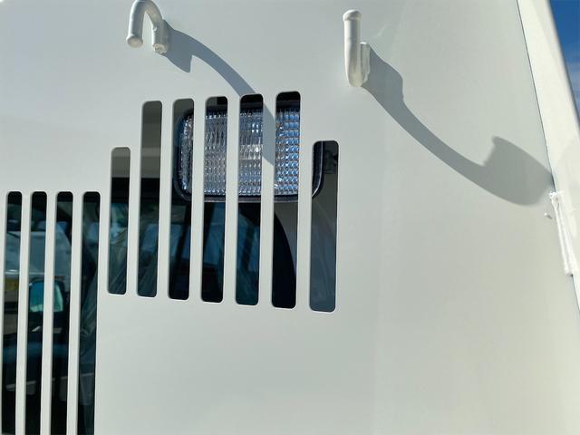 多目的ダンプ SAIIIt 4WD5MT スマアシ PTO(油圧)式 AMFMラジオ オートライト 届出済未使用車(12枚目)