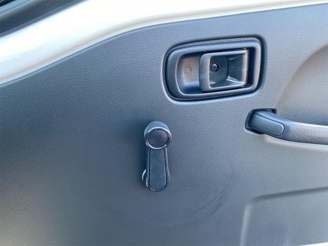多目的ダンプ SAIIIt 4WD5MT スマアシ PTO(油圧)式 AMFMラジオ オートライト 届出済未使用車(24枚目)