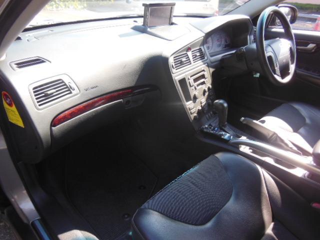 ボルボ ボルボ XC70 ベースグレード ディーラー車 右ハンドル ハーフレザー