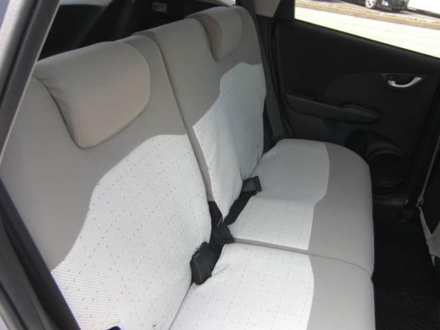 シートカバーを外したときのシートは黒になります♪