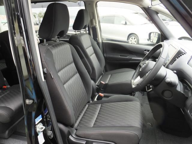 シート地 ジャカード織物/トリコット、シートバックフック 8個〈運転席、助手席各2個、セカンド(左右)各2個〉