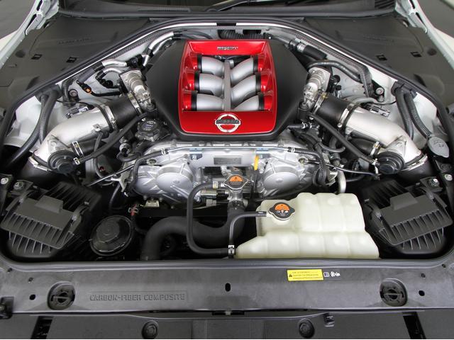 日産 GT-R ニスモ 15モデル 登録済未使用車 BOSEサウンドシステム