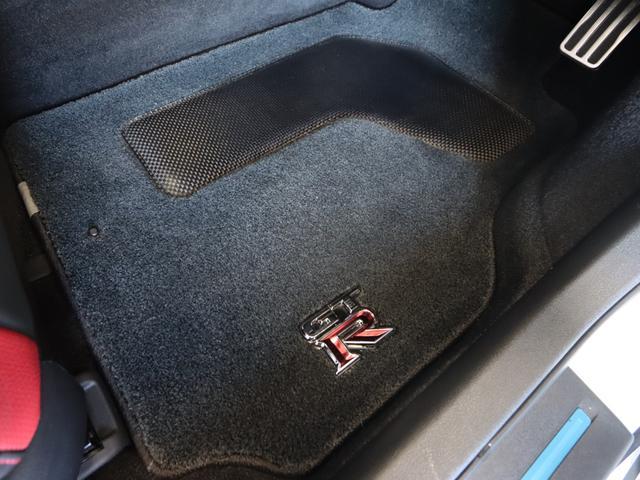 ブラックエディション 17モデル NISMOスポリセ BOSEサウンドシステム サッチャム防盗 専用RECAROシート  シートヒーター チタン合金製マフラー 純正アルミホイール SDナビ バックモニター 特別塗装色(22枚目)