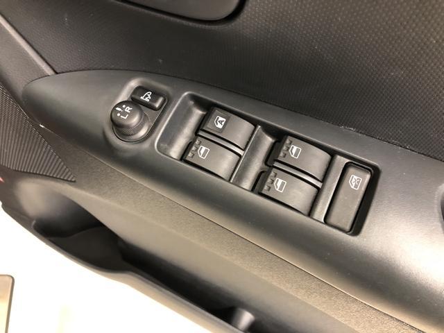 運転席のドア内側です