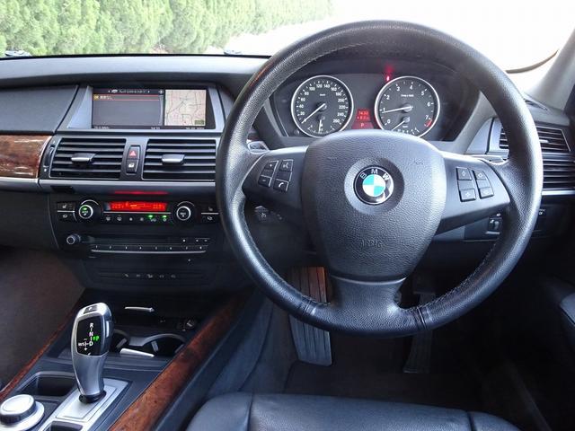 BMW BMW X5 3.0si SR 黒革シートヒーター付き バックカメラ
