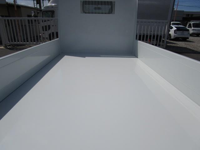 三菱ふそう キャンター 4ナンバー 全低床強化ダンプ 積載2.0t