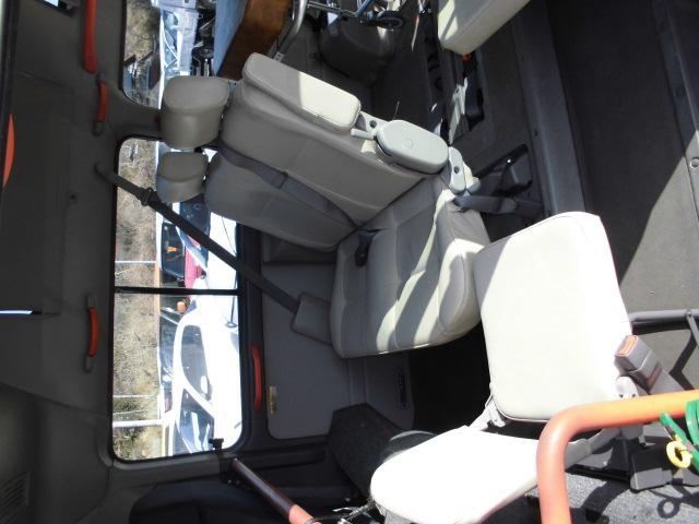 AT ターボパートタイム4WDチェアキャブ 格納式リフター(17枚目)