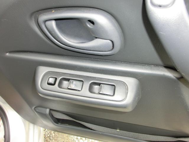 ベースグレード パートタイム4WDタイミングチェーン ABS ETC キーレス(32枚目)