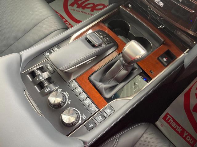 LX570 モデリスタエアロ モデリスタマフラー WALD22インチアルミ リアエンターシステム サンルーフ 全方位モニター 純正ドラレコ 置くだけ充電 ETC2.0(13枚目)