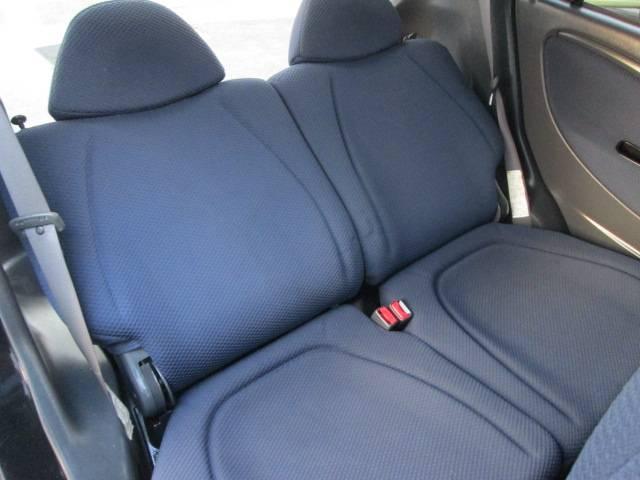 Xi 4WD 走行距離無制限 2年間保証(11枚目)