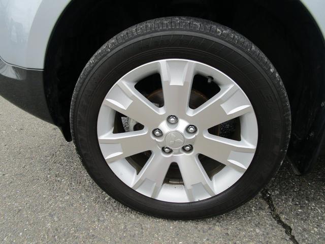 タイヤ左前