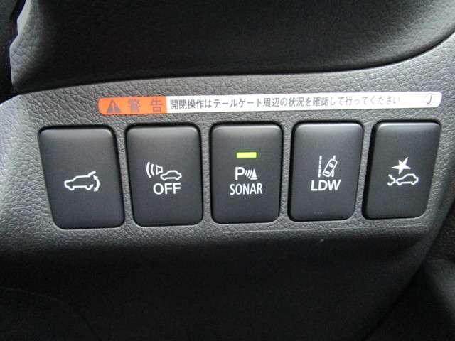 衝突被害軽減ブレーキ、誤発進抑制装置などの安全装置も充実!