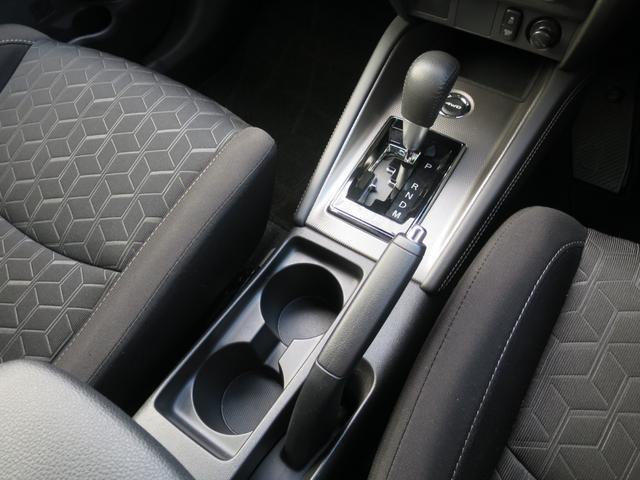 G 禁煙 4WD 後側方車両検知 誤発進抑制 衝突被害軽減ブレーキ メモリーナビ バックカメラ クルコン フルセグ DVD再生 音楽サーバ 音楽プレイヤ接続 Bluetooth アイドリングストップ(12枚目)