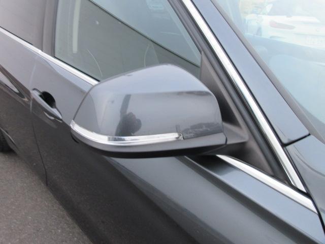 320iラグジュアリー 正規認定中古車 ワンオーナー LEDヘッドライト コンフォートアクセス 純正17インチ 純正HDDナビ レザーシート シートヒーター リアPDC バックカメラ ACC レーンチェンジウォーニング(8枚目)