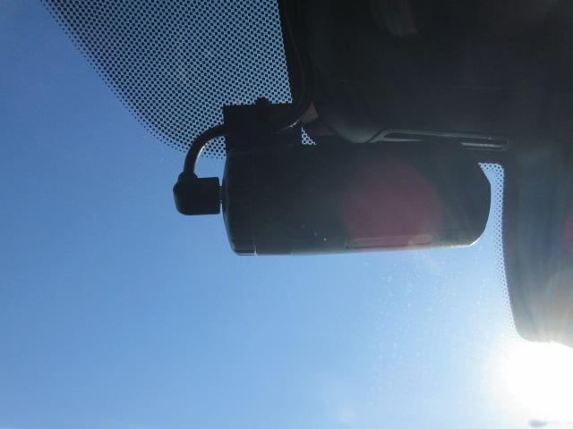 330i Mスポーツ LEDヘッドライト 純正HDDナビ ハーフレザー シートヒータ ACC パドルシフト オートトランク PDC バックカメラ ワイヤレスチャージング 純正18インチ(36枚目)