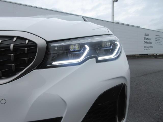 M340i xDrive 正規認定中古車 ワンオーナー レーザーライト レザーシート シートヒーター ヘッドアップディスプレイ 純正HDDナビ ジェスチャーコントロール リバースアシスト 純正19インチ ACC(3枚目)
