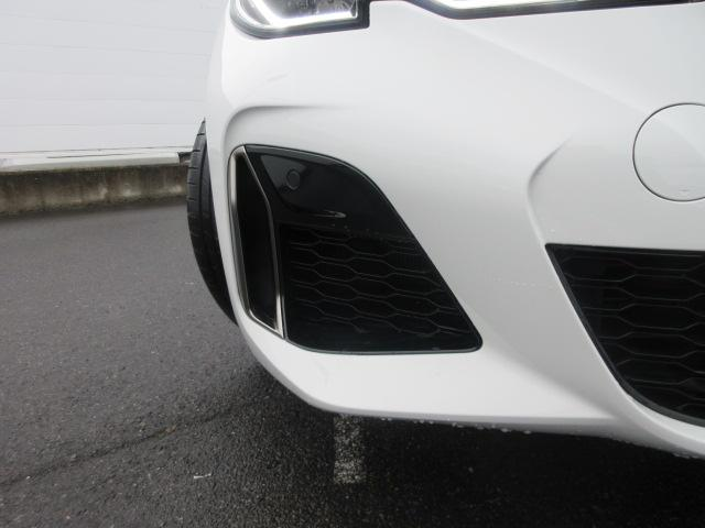 M340i xDrive 正規認定中古車 ワンオーナー レーザーライト レザーシート シートヒーター ヘッドアップディスプレイ 純正HDDナビ ジェスチャーコントロール リバースアシスト 純正19インチ ACC(4枚目)
