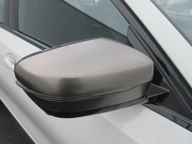 M340i xDrive 正規認定中古車 ワンオーナー レーザーライト レザーシート シートヒーター ヘッドアップディスプレイ 純正HDDナビ ジェスチャーコントロール リバースアシスト 純正19インチ ACC(10枚目)