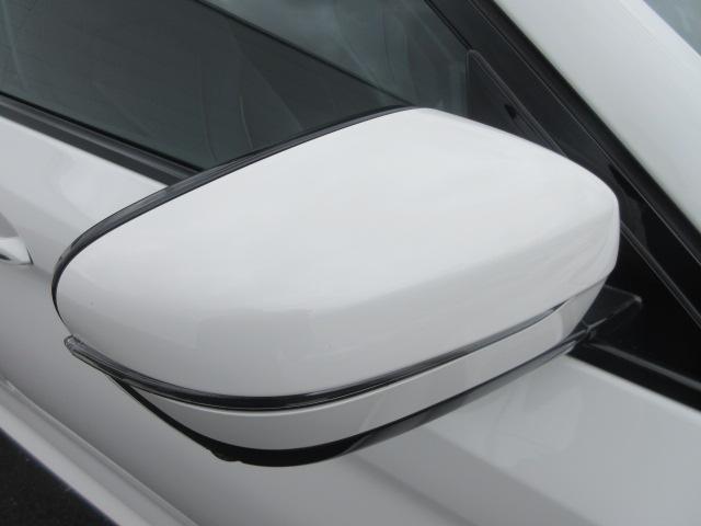 523d Mスポーツ ハイラインパッケージ ワンオーナー 純正HDDナビ 純正ETC レザーシート シートヒーター コンフォートアクセス 電動リアゲート 電動シート 純正19インチ アダプティブLEDヘッドライト(7枚目)