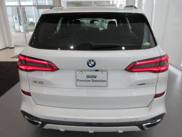 xDrive 35d Mスポーツ 正規認定中古車 弊社元社有車 アダプティブLEDヘッドライト ジェスチャーコントロール 4ゾーンエアコン リバースアシスト ハーマンカードンスピーカー オートマチックテールゲート 純正20インチ(6枚目)