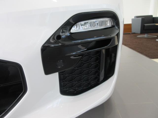 xDrive 35d Mスポーツ 正規認定中古車 弊社元社有車 アダプティブLEDヘッドライト ジェスチャーコントロール 4ゾーンエアコン リバースアシスト ハーマンカードンスピーカー オートマチックテールゲート 純正20インチ(12枚目)