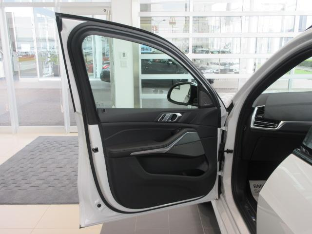 xDrive 35d Mスポーツ 正規認定中古車 弊社元社有車 アダプティブLEDヘッドライト ジェスチャーコントロール 4ゾーンエアコン リバースアシスト ハーマンカードンスピーカー オートマチックテールゲート 純正20インチ(26枚目)