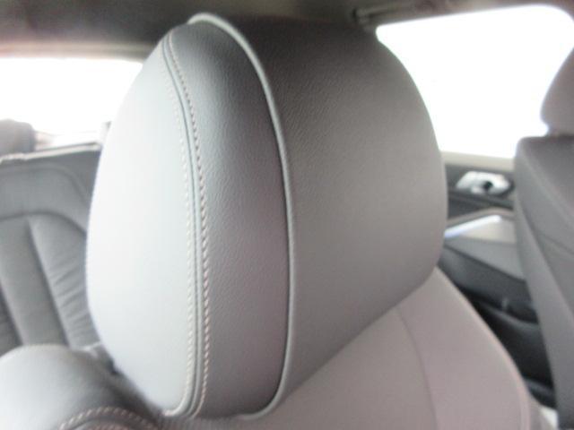 xDrive 35d Mスポーツ 正規認定中古車 弊社元社有車 アダプティブLEDヘッドライト ジェスチャーコントロール 4ゾーンエアコン リバースアシスト ハーマンカードンスピーカー オートマチックテールゲート 純正20インチ(51枚目)