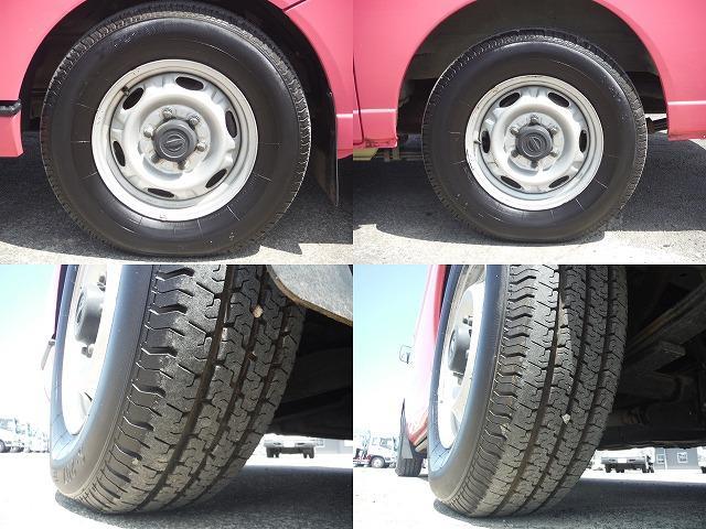 現在のタイヤの状態はフロント7分山.リヤ7分山程度です。スタッドレスの購入、タイヤ交換他ご相談下さい。