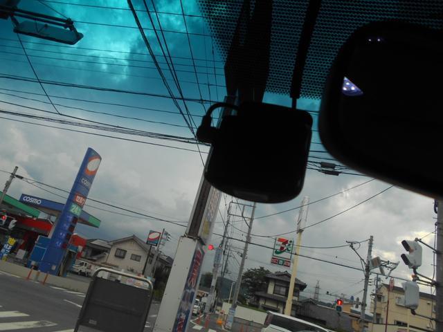 GL 社外ナビフルセグTVバックカメラ左側オートスライドドアフイリップタウンモニターETC禁煙車ドライブレコーダーフロントリップ社外テールランプ革調シートカバー社外17アルミ100V電源キーレス電格納ミラー(27枚目)