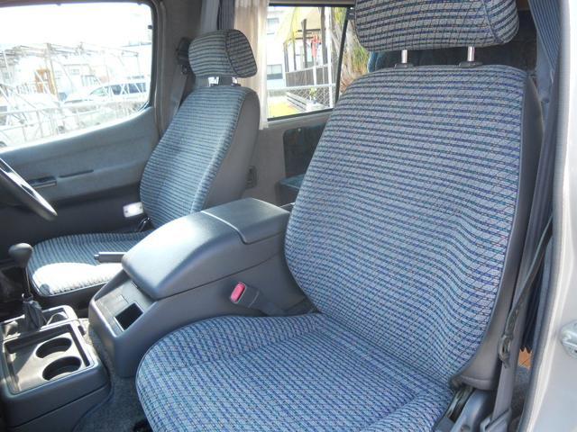トヨタ ハイエースバン 4WD キャンピングカー TV HDD Bモニター ETC