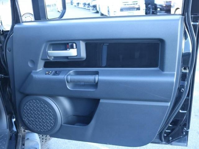 4.0 ブラックカラーパッケージ 4WD 2インチUP 20(16枚目)