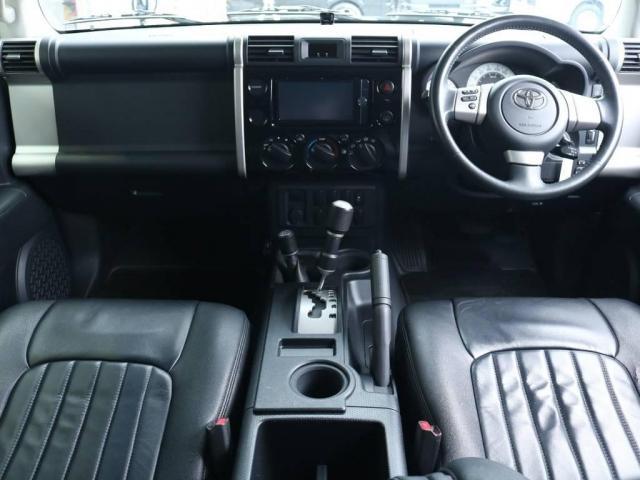 4.0 ブラックカラーパッケージ 4WD 2UP KM3(2枚目)