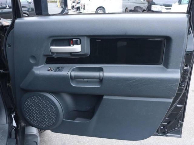 4.0 ブラックカラーパッケージ 4WD 2UP KM3(18枚目)