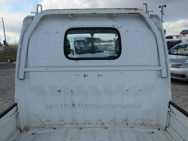 スズキ キャリイトラック 4WD オーディオなし マニュアル5速 2ドア ホワイト