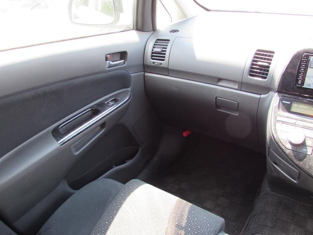 トヨタ ウィッシュ G ワンオーナー HDDナビ CD キーレス 3列シート