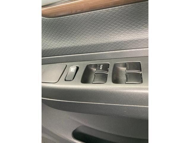G 1オーナー ツートンルーフ メモリーナビ ワンセグTV CD・DVD再生 Bluetooth スマートキー プッシュスタート ベンチシート スペアキー有 ヘッドライトレベライザー(24枚目)