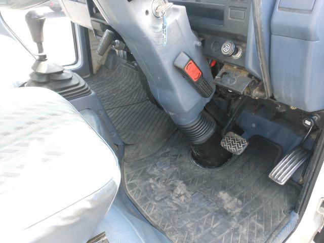 いすゞ エルフトラック 5速マニュアル エアコン付き ホワイト 3人乗り