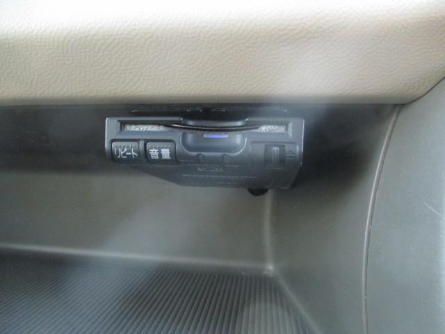 高速道路の乗り降り時のスマートさが嬉しいETC♪高速出入口でノンストップは嬉しいですね♪高速のスマートゲートでは付いていないと降りられません。最近では当たり前の装備になってきました。