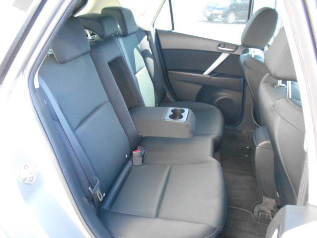 TLUTEQ(トルテック)を施工!トルテックとはお車のボディ光沢度を上げ、身体に無害な2タイプの溶剤を使用し、車内全体の除菌・抗菌・消臭を施した、当社オリジナルのトータルクリーニングです。