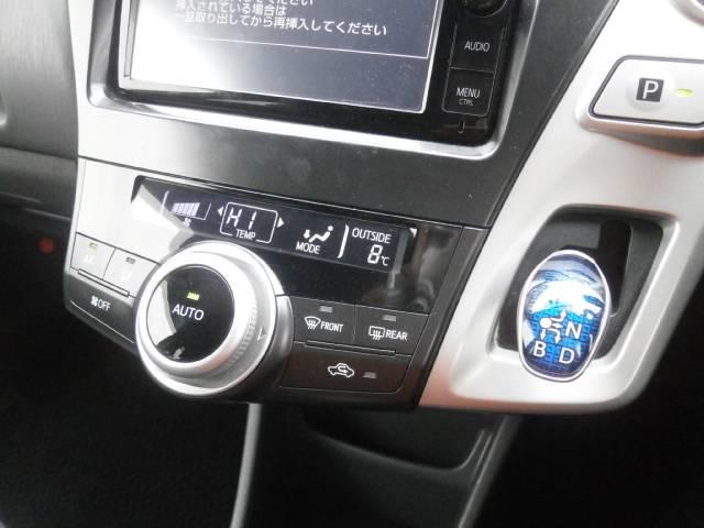 トヨタ プリウスアルファ S 助手席リフトアップシート 純正メモリーナビ
