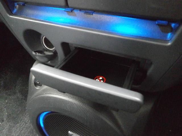 トヨタ bB Z Qバージョン キーフリー 純正CDデッキ