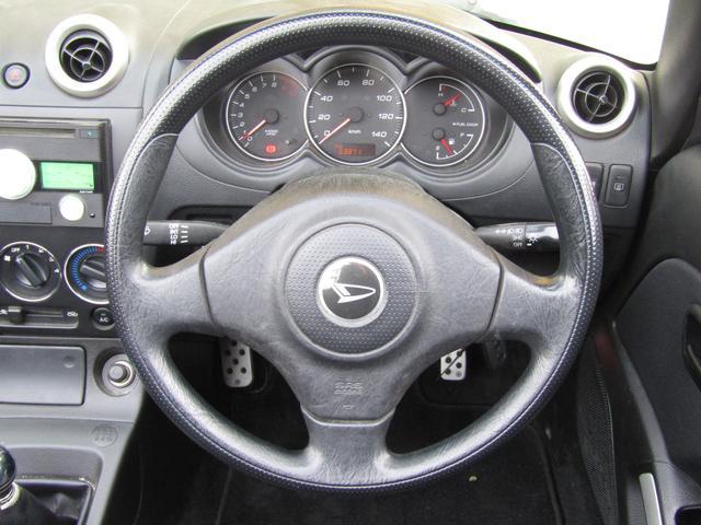 アクティブトップ 5速マニュアル キーレス 社外CDデッキ 社外アルミホイール 運転席・助手席エアバッグ パワーステアリング パワーウインドウ ABS(5枚目)