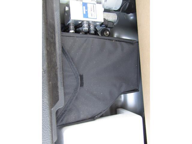 アクティブトップ 5速マニュアル キーレス 社外CDデッキ 社外アルミホイール 運転席・助手席エアバッグ パワーステアリング パワーウインドウ ABS(46枚目)