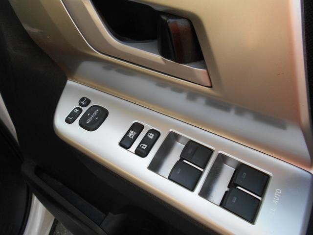 各社オークション強力提携!又、専任スタッフが全国のオークションにて、厳選したお車を仕入れております。