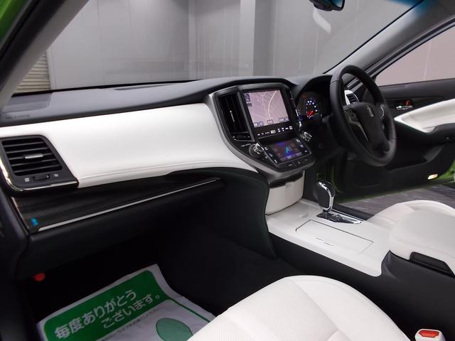 トヨタ クラウンハイブリッド アスリートS若草色エディション 60th特別限定車 白革