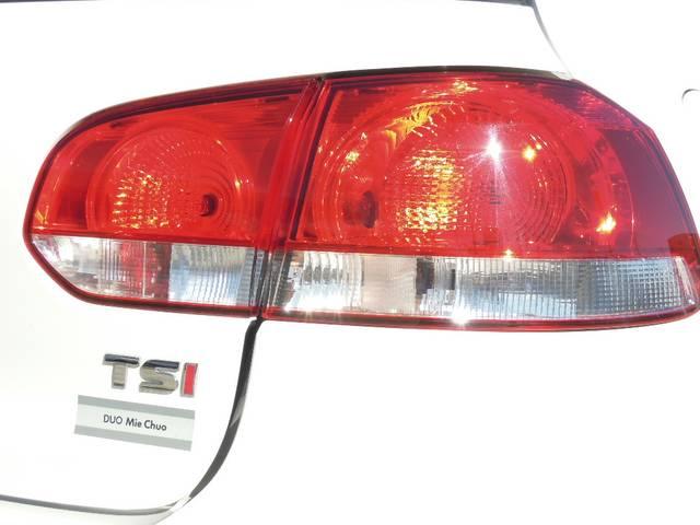 フォルクスワーゲン VW ゴルフ TSIトレンドライン HDDナビTV 1年保証付 鑑定書付