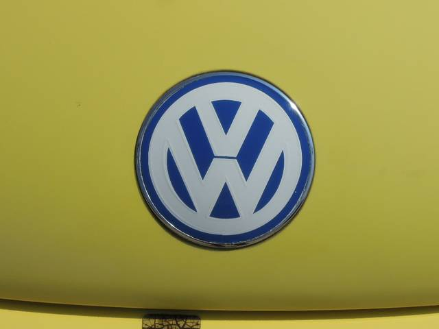 フォルクスワーゲン VW ニュービートル プラス 黒革シート サンルーフ ディーラー車 鑑定書付