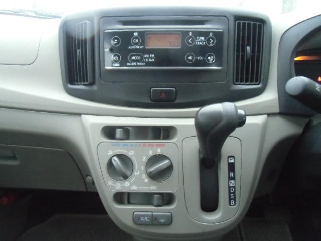 F 車検残R4年6月 アイドリングストップ キーレス AUX付CDデッキ ドアバイザー ABS(10枚目)