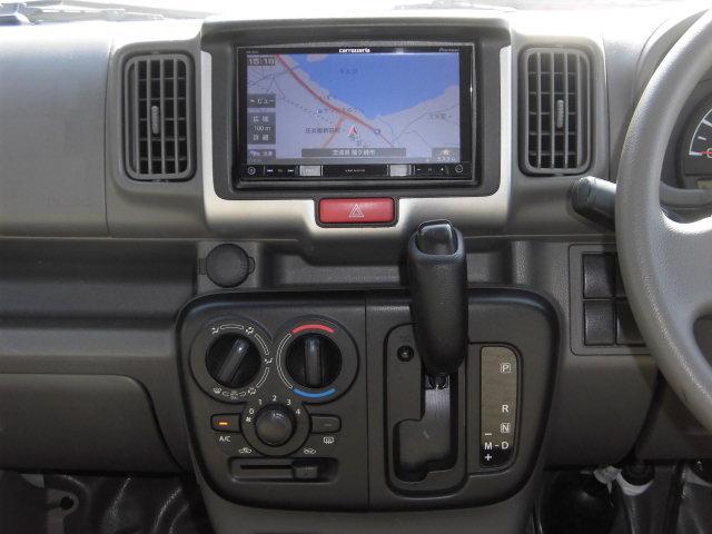 DX エマージェンシーブレーキパッケージ 4WD 衝突軽減ブレーキ AUX付ナビ Bluetoot接続 DVD再生 ETC キーレス レンタカーアップ車(10枚目)